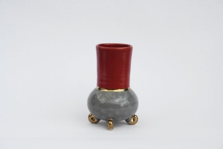 Vase  H 18 cm  D 7 cm